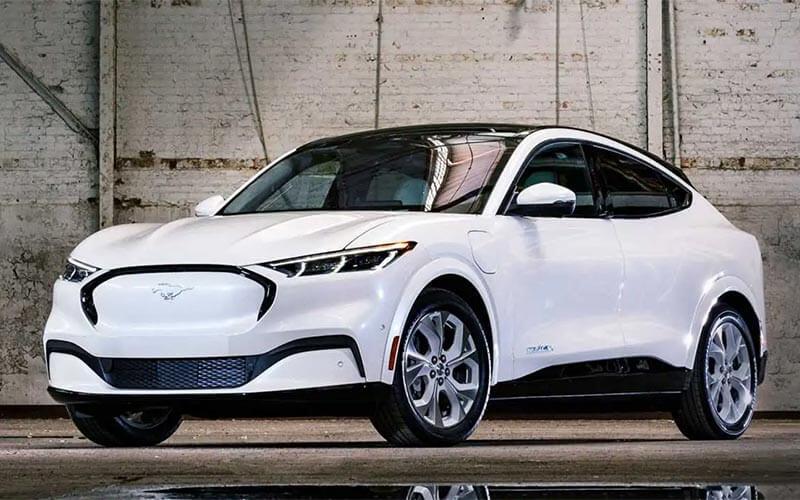 Ford Mustang Mach-E ปี 2022 เตรียมปรับความจุแบตฯใหม่ วิ่งได้ไกลขึ้น